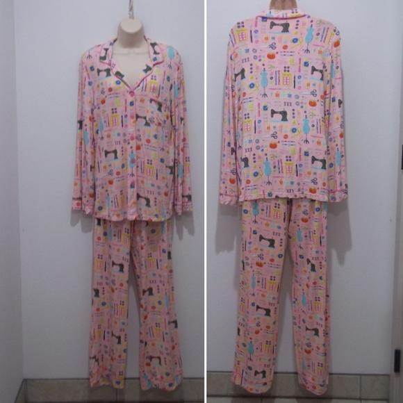 2481824ae0 Nick Nora Pajamas Pink Sewing Machine Scissors. M 5a5860c650687cd056902de5